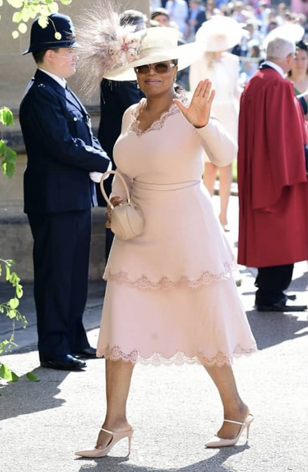 Oprah - Stella McCartney Dress - Malone Souliers Mules - Gabriella Hearst Bag
